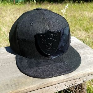 NFL OAKLAND RAIDERS HAT - Size 7 3/8 *NWT*